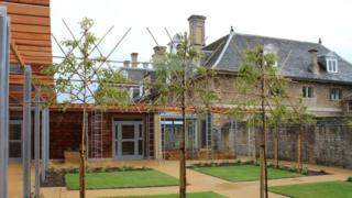 Sue Ryder Thorpe Hall Hospice in Peterborough