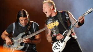 Metallica'dan Robert Turjillo ve James Hetfield