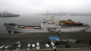 Mangyongbong in Vladivostok, 18 May 17