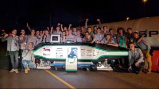 Delft Teknik Üniversitesi öğrencileri ve geliştirdikleri 'Hyperloop'