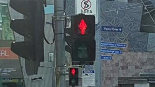 Novo semáforo para pedestre em Melbourne