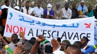 Des citoyens mauritaniens s'insurgent contre la pratique de l'esclavage dans leur pays