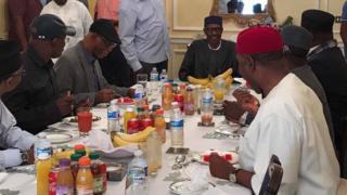 Shugaba Buhari yana ganawa da gwamnoni