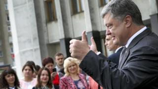 Петро Порошенко під час поїздки до Волинської області