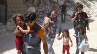 Halep'te yaralı çocuklar