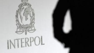 Polisi wa kimataifa Interpol wametoa ilani uya kukamatwa kwa wauaji wanne wa Kim Jong nam