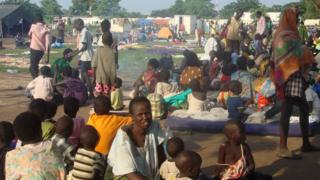 Displaced people taking shelter at a UN compound in Juba (UNMISS picture)