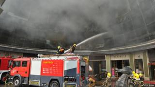 चीन में एक मकान में लगी आग