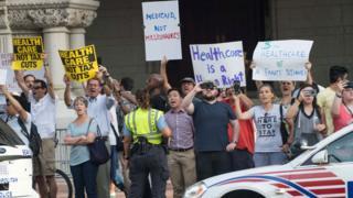 Trump'ı protesto edenler