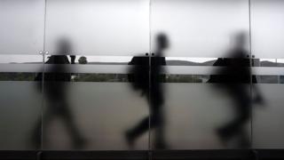 Mexicanos deportados por Estados Unidos llegan a México.