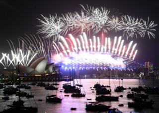 """Fireworks explode over the Sydney Harbour during New Year""""s Eve celebrations in Sydney, Australia, 01 January 2018."""