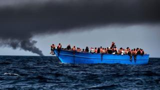 Dooni ay saaran yihiin tahriibayaal