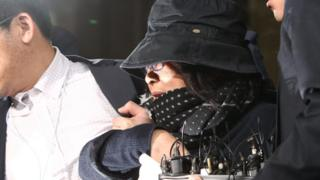 Choi Soon-sil (C) arrives to the Seoul Central District Prosecution Office