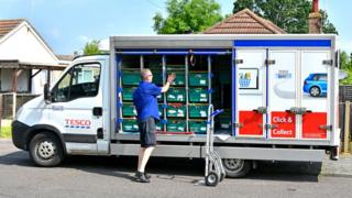 Tesco delivery in Essex, 2016