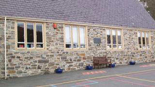 Nantmel school
