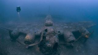 Avião B-17 submerso