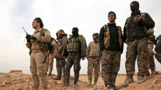 Abarwanyi ba Syrian Democratic Forces bavuga ko bafashe izindi komine zitandatu i Tabqa