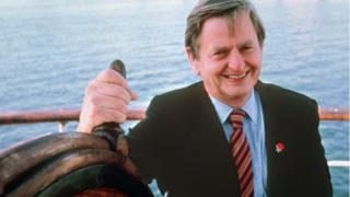 Swedish Prime Minister Olof Palme in Stockholm on a boat (file photo)