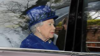 Королева пропустила дві святкові служби, які неодмінно відвідує щороку