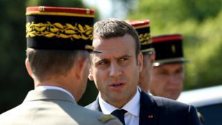 Emmanuel Macron em evento oficial