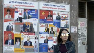 Избирательные плакаты в Ереване