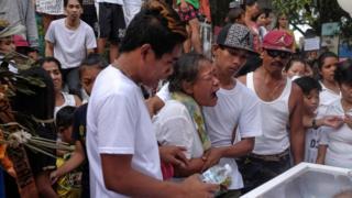 filipina, lascanas