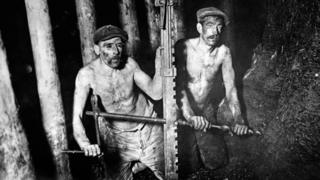 معدنچیان زغال سنگ در سال ۱۹۲۴