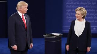 Hillary Clinton na Donald Trump bari mu twigoro twa nyuma two kurondera amajwi imbere y'amatora y'ejo