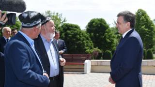 Mirziyoyev Andijonda nuroniylar bilan ham muloqotda boʻlgan
