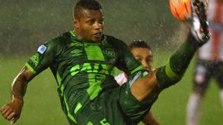 Dener of Brazil's Chapecoense controls the ball during their 2016 Copa Sudamericana quarterfinal's second leg football match against Colombia's Junior held at Arena Conda stadium, in Chapeco, Brazil, on 26 October