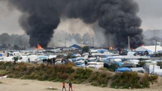 Fires at the Calais camp, 26 Oct