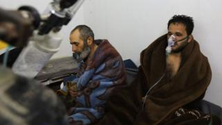 Syrians reportedly suffering from breathing difficulties following a Syrian government air strike on the town of Saraqeb rest at a field hospital (4 February 2018)