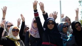 Turkish women wearing headscaves