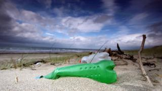 mo4ch:>Plastics tax eyed in litter crackdown