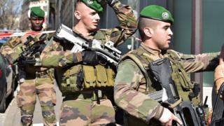 Fransız ordusu IMF saldırısı