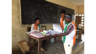 Les bureaux de vote ont ouvert en retard.