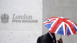 """وقالت مجموعة بورصة لندن إنها """"تأسف"""" على قرار المفوضية"""