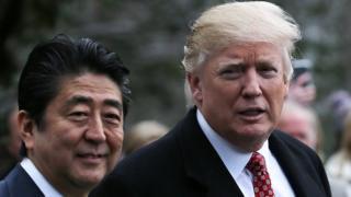 शिंजो आबे के साथ राष्ट्रपति ट्रंप