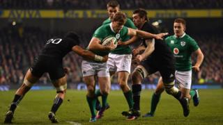 Andrew Pringle playing for Ireland v All Blacks