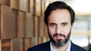 رجل الأعمال خوسيه نيفيز
