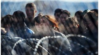 Біженців зупинили на кордоні Греції і Македонії