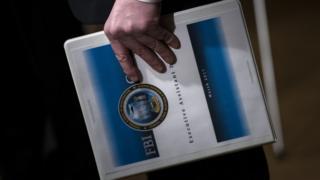 Документ в руке американского прокурора