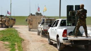 Suriye-Türkiye sınırında birlikte hareket eden ABD ve YPG askerleri