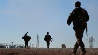 Askarta fallaaqada Syrian Democratic Forces oo gaaf wareegaya duleedka magaalda Raqqa