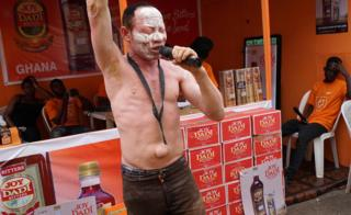 "Nigerian Afrobeat musician Lamoj, popularly called Fela""s Ghost, sings during the Lagos International Trade Fair on November 4, 2017 in Lagos. Afrobeat musician Lamoj, also called Fela""s Ghost, is preparing to launch his album styled after late Afrobeat legend Fela Anikulakpo-Kuti."