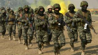 Pakistani border security force Special Operation Group (SOG) take part in '53rd Frontier Corps Week' military drills in Peshawar on November 19, 2016.