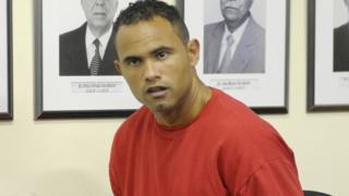 ناد برازيلي يضم لاعبا مدانا بقتل صديقته ورميها للكلاب