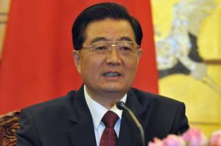 中國前國家主席胡錦濤周四 (1月26日)到訪廣州,由廣東省委書記胡春華陪同下逛西湖路花市。
