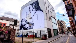 Joe Caslin's mural depicting a lesbian couple