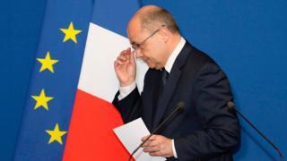 Fransa İçişleri Bakanı Le Roux